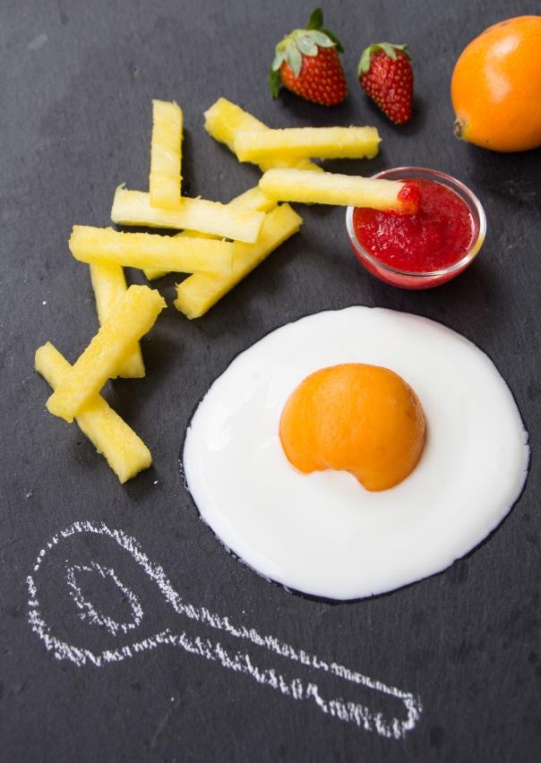 Uovo al tegamino con patatine di ananas-IMG_7794