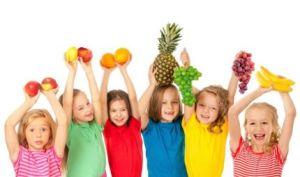 insegnargli-mangiare-frutta-verdura-19253