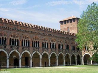 pavia_018_castello_visconteo_portico