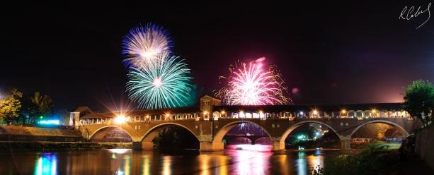 Ponte_Coperto_sotto_i_fuochi_d'artificio.jpg